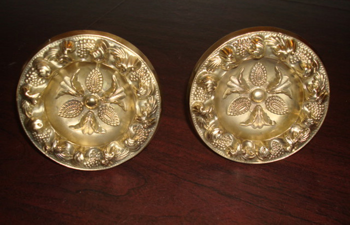PAIR BRASS CURTAIN PINS, ANTIQUE, 4 1/4 IN. D. 19TH C.