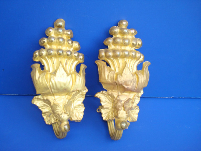PAIR OF GILT BRASS CURTAIN PINS, 6 IN. L.  LEAVES & FLOWERS, ANTIQUE 19TH C.