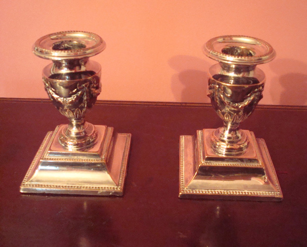 PAIR OF OLD SHEFFIELD SILVER ON COPPER CANDLESTICKS, SWAG DECORATION, C. 1810