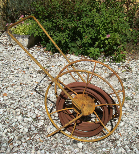 VINTAGE HOSE REEL, GARDEN, WROUGHT IRON, ANTIQUE