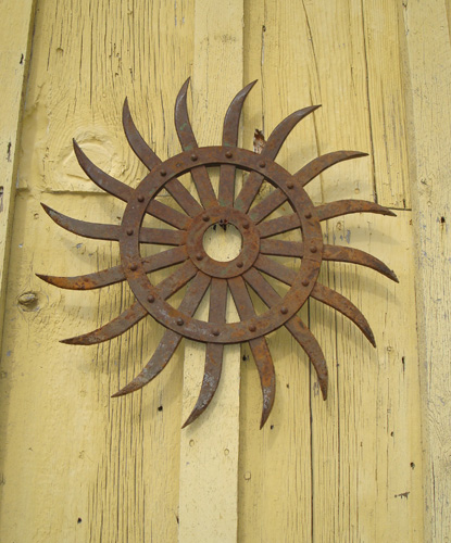 IRON SPIRAL, ANTIQUE FARM PIECE, ANTIQUE