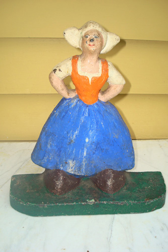 DOORSTOP, DUTCH GIRL WITH BIG SHOES, ANTIQUE CAST IRON, CIRCA 1930