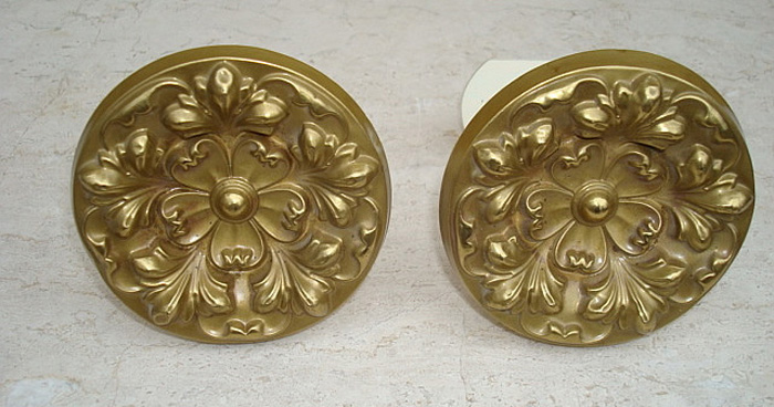 PAIR CURTAIN  PINS, ROUND  BRASS, 3 1/2