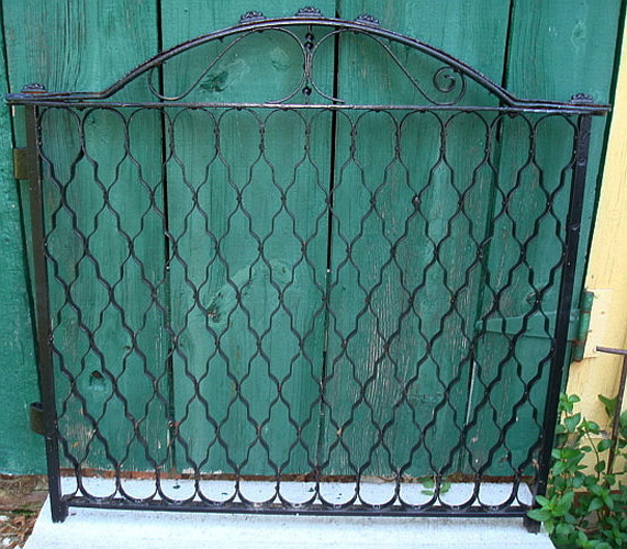 GATE,  CAST IRON, ANTIQUE, HONEYCOMB PATTERN, 19TH C. AMERICAN
