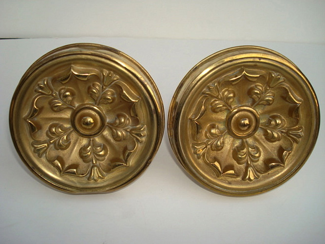 CURTAIN PINS, PAIR LARGE GILT BRASS, STYLIZED FLOWERS,  4 1/2 IN, D. ANTIQUE