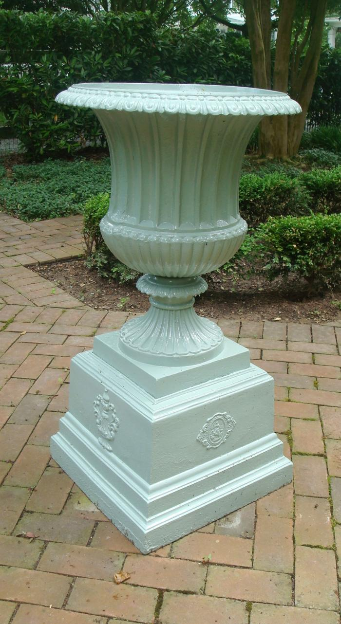 LARGE CAST IRON URN, CAMPANA FORM, ANTIQUE