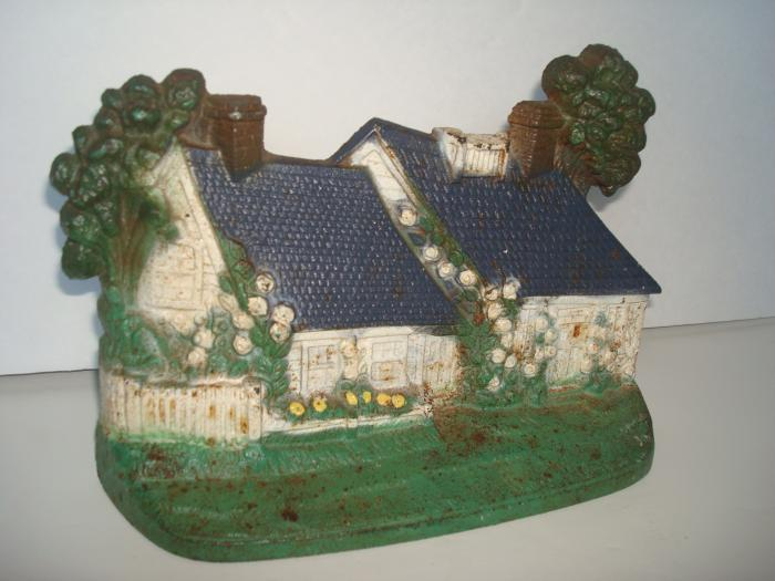 CAPE COD COTTAGE DOORSTOP