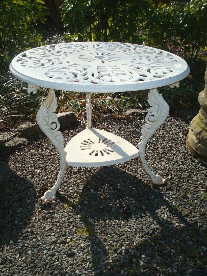 LAUREL PATTERN CAST IRON CENTER TABLE, ANTIQUE
