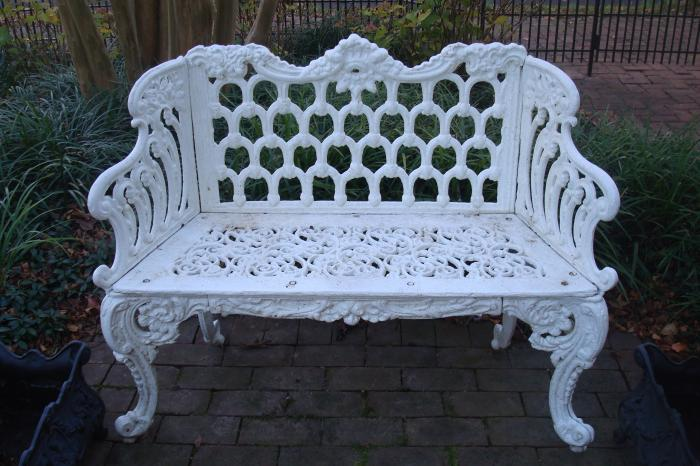 GOTHIC PATTERN CAST IRON BENCH