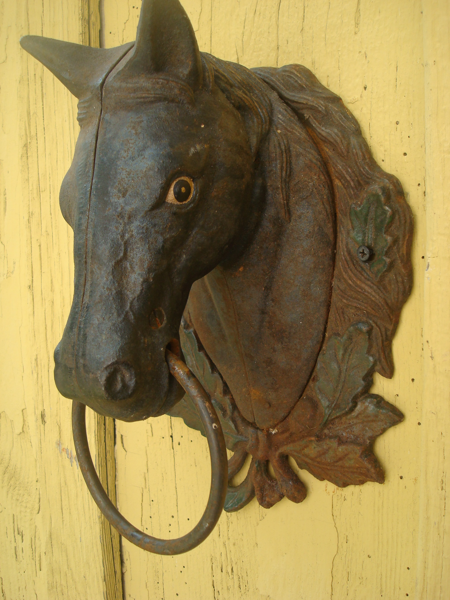HORSE HEAD HITCHING POST, WALL MOUNTED, VINTAGE CAST IRON