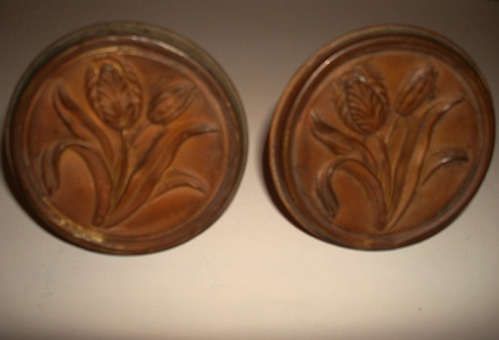 PAIR OF BROWN PAINTED TULIP PATTERN BRASS CURTAIN PINS, 2 1/2 INCH D. ANTIQUE, 19TH C