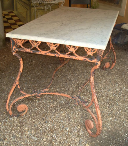 FRENCH GARDEN TABLE, WROUGHT IRON AND MARBLE. CIRCA 1920