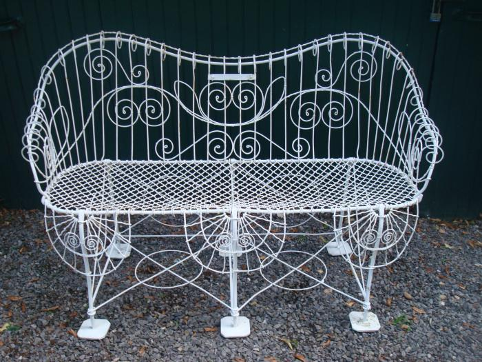 WIRE BENCH WITH SQUARE FEET, ANTIQUE