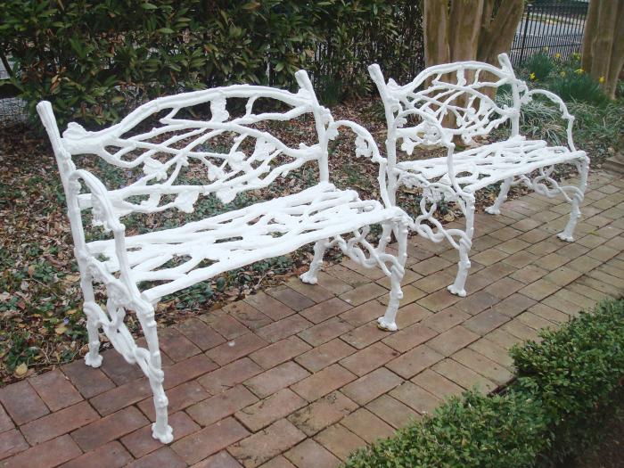 PAIR OF BENCHES IN RUSTIC PATTERN, ANTIQUE CAST IRON