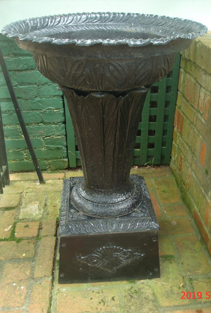 LARGE GARDEN URN, SINGLE, ANTIQUE