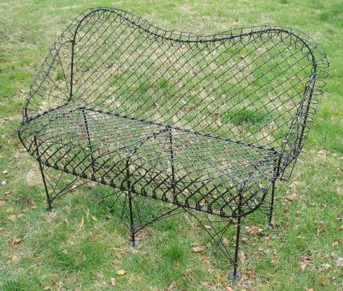 WIRE SETTEE OR BENCH, ANTIQUE
